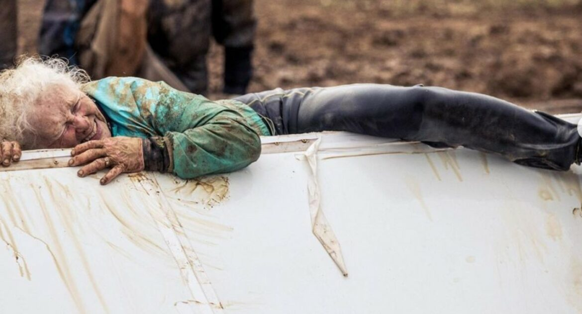 Scrappy 81-Year-old Woman Completes Her Second Tough Mudder Race Over Huge Obstacles